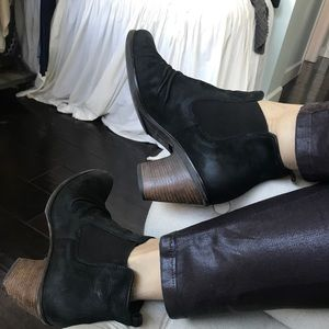 Paul Green munched Jano black leather ankle bootie